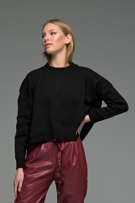 Black Round Neck Knit Sweater
